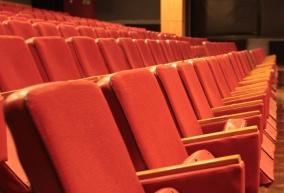 artKino oferuje na sprzedaż fotele