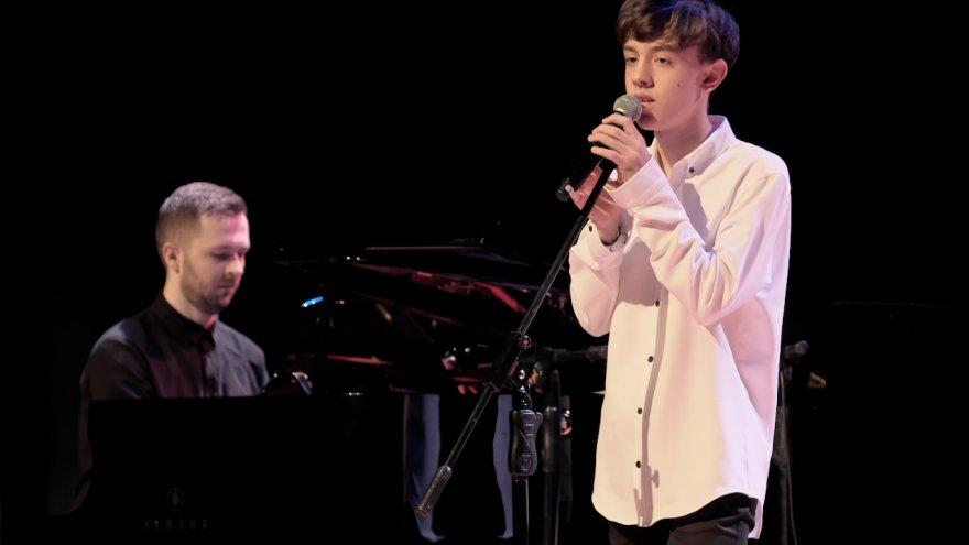 vocal Ignacy Błażejowski, akompaniament Grzegorz Przepióra, fot. Paweł Fiejdasz